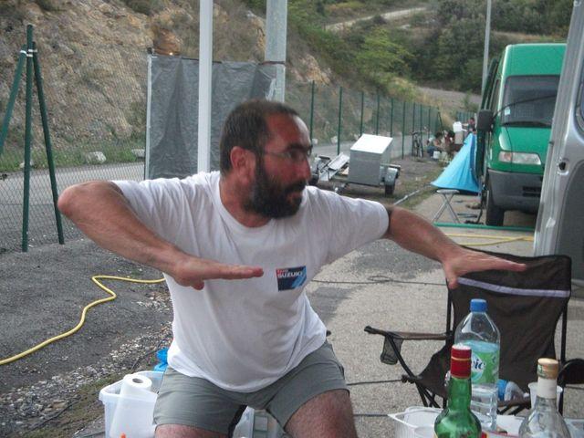 Dave l'attaque surfant sur la vague lors d'un week end coupes de france promosport a Ales en 2011.(Volkanik endurance)
