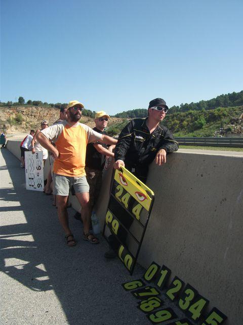 Arnaud et dave l'attaque en bord de piste du circuit d'ales lors du week end coupe de france promosport 100 en 2011